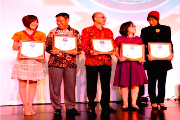 Halo BCA Raih 11 Penghargaan Contact Center Service Excellence Award 2017